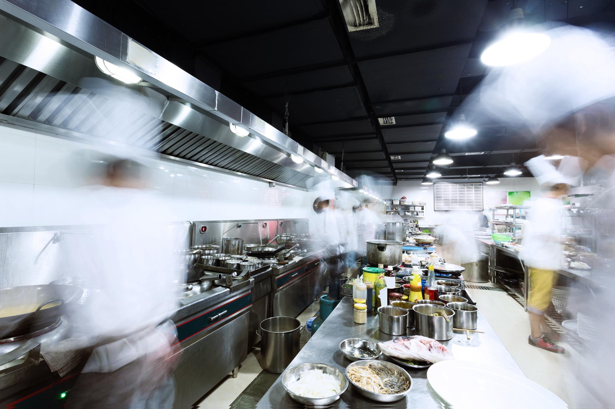 Segurança de alimentos em serviços de alimentação: 5 passos básicos fundamentais
